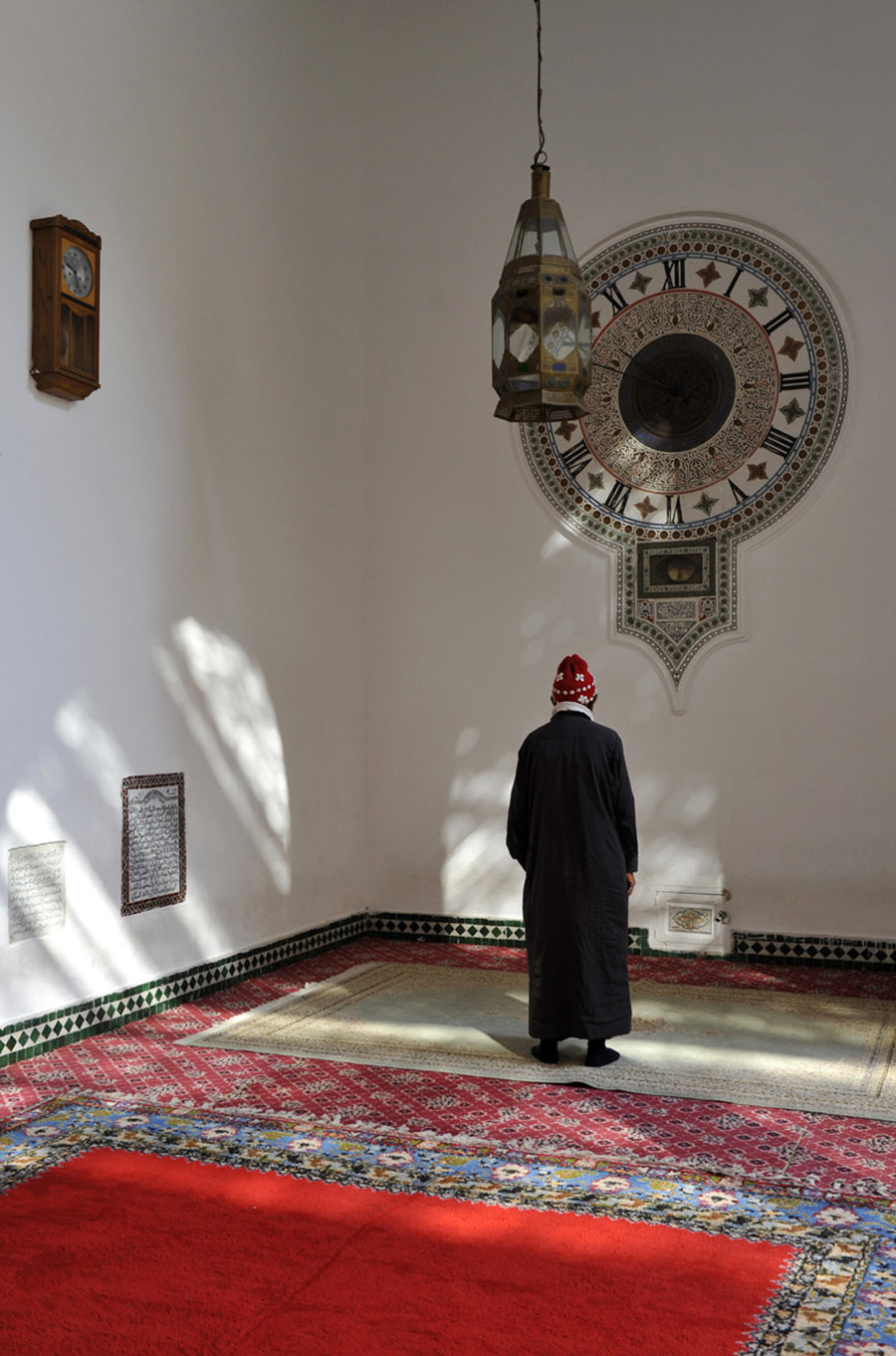 Visitor to the Zaouis Sidi Bel Abbes, Marrakech, 2011