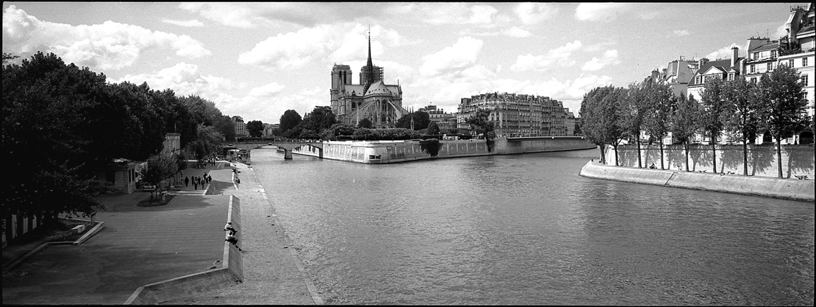 Notre Dame and Ile de la Cité taken from Pont de la Tournelle, 2002