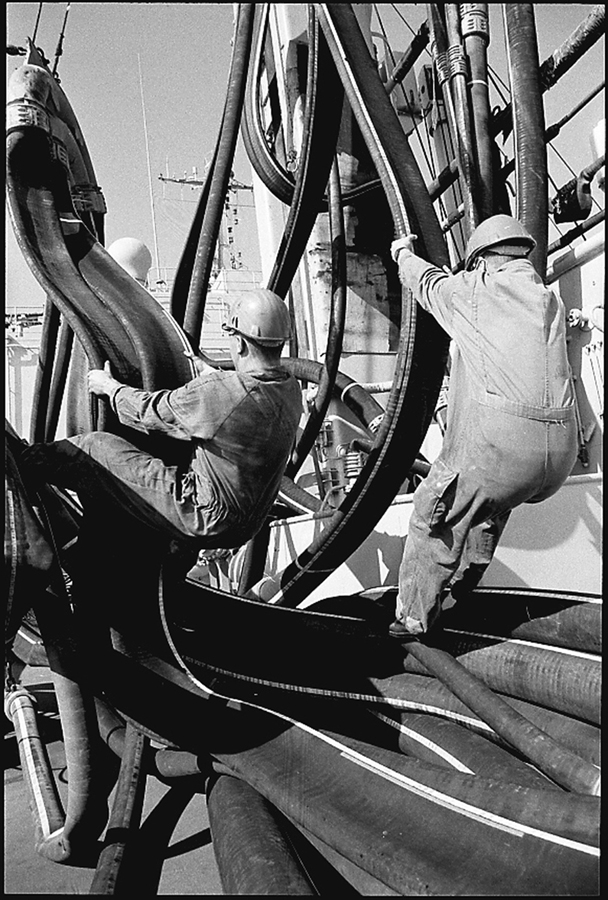 Preparing the oil supply hoses