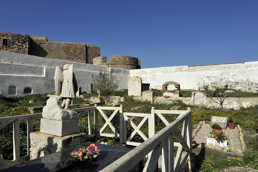 Christian cemetery at the foot of the ramparts of the former Portuguese citadel of Mogador, today Essaouira, 2012