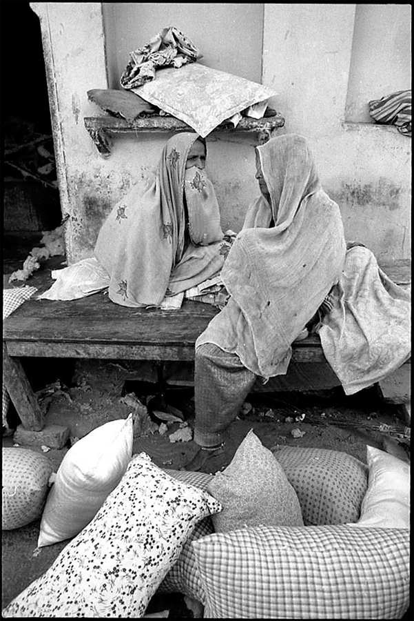 Women and pillows,  Jaipur, Rajasthan, 1985