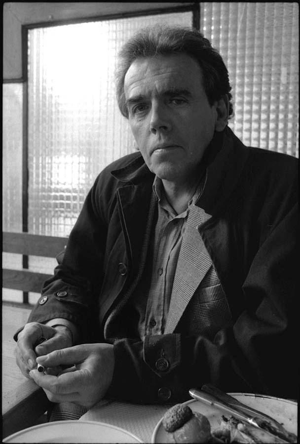 Jean Edern Hallier, Paris, 1990