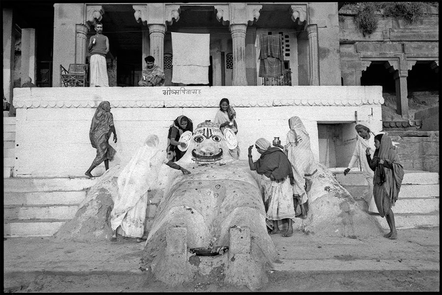 Pilgrims worshipping image of Bhim, Benares, 1986
