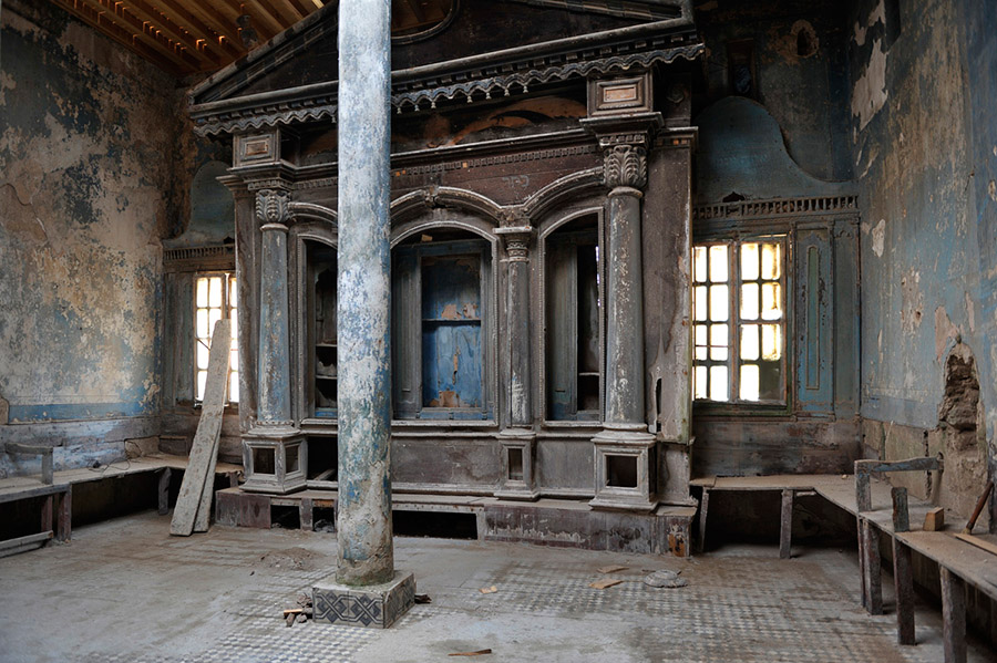 Built in the 1850s, the Slat Lkahal synagogue is under restauration Its Baroque style altar was imported from Livorno, Italy, home of a prosperous Jewish community, Essaouira, 2012