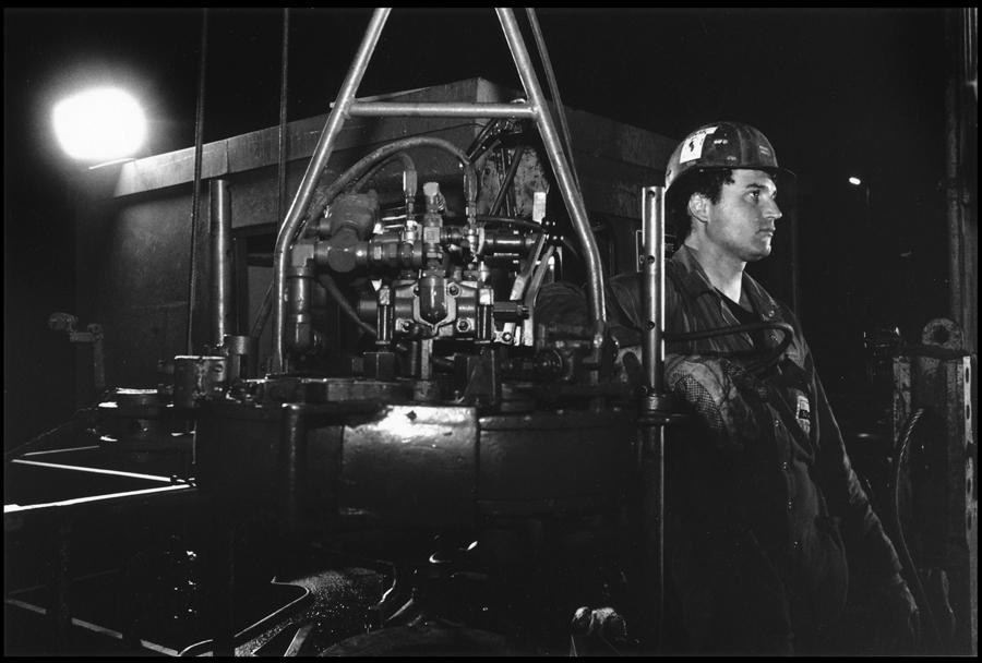 Hydraulic wrench operator.