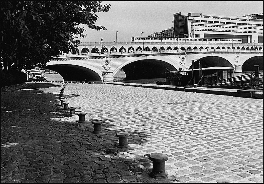 Pont de Bercy and Ministry of Finance taken from Port de la Gare, 2000