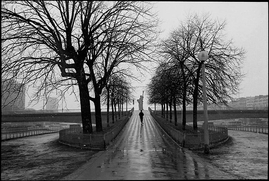 Ile des Cygnes and Pont de Grenelle, 2002