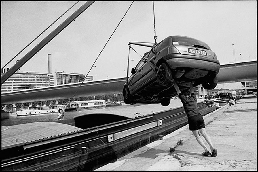 Loading a car on a barge near Pont Charles de Gaulle, 2001