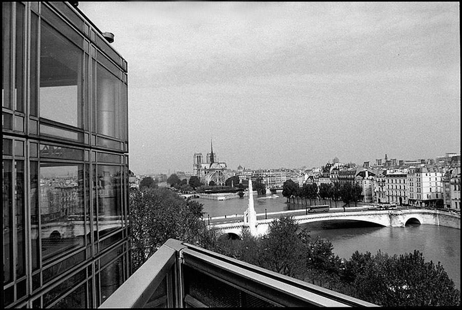 Pont de la Tournelle and Notre Dame taken from IMA, 2001